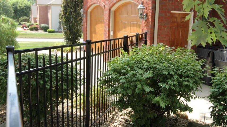 Imperial Aluminum Fence Picture