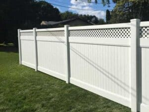 Zachary Fence Style with Lattice Top Picture